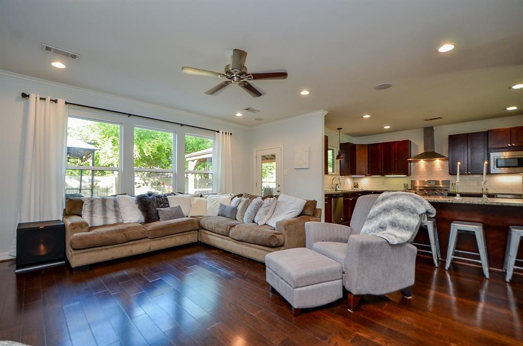 Pending Continue to Show | 5102 Poinciana  Drive Houston, TX 77092 9