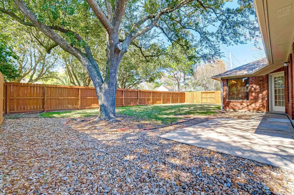 Pending   7603 Shangrila Lane Houston, TX 77095 39