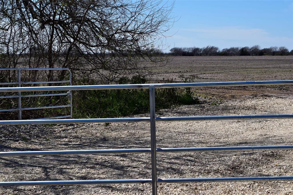 Pending | 372 County Road 444 Trull Road Blessing, TX 77419 1