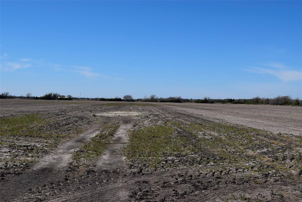 Pending | 372 County Road 444 Trull Road Blessing, TX 77419 6