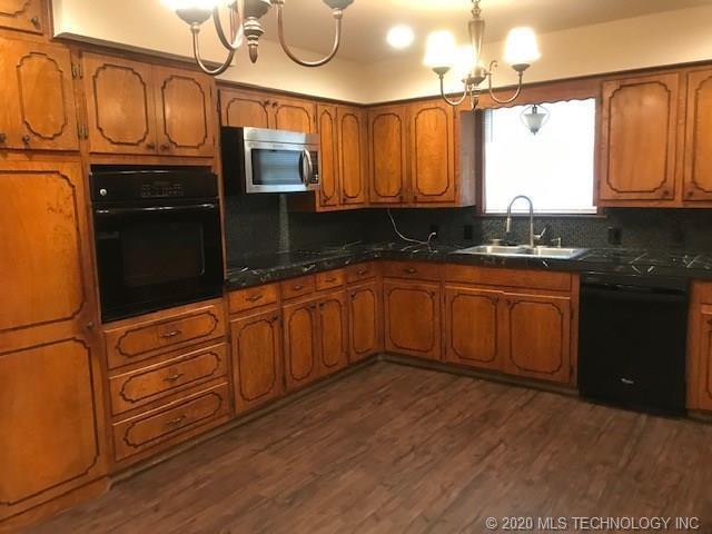 Property for Rent | 2002 Cardinal Lane McAlester, OK 74501 2