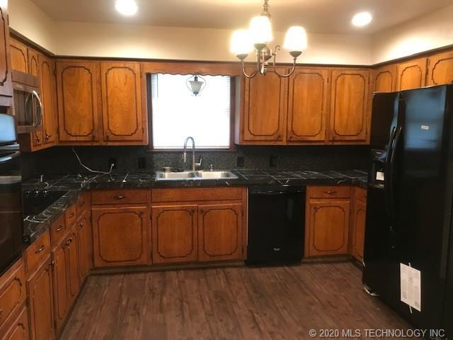 Property for Rent | 2002 Cardinal Lane McAlester, OK 74501 3