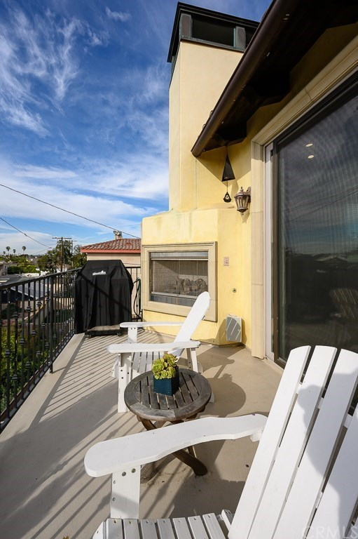 Active | 617 S Pacific Coast  #A Redondo Beach, CA 90277 13