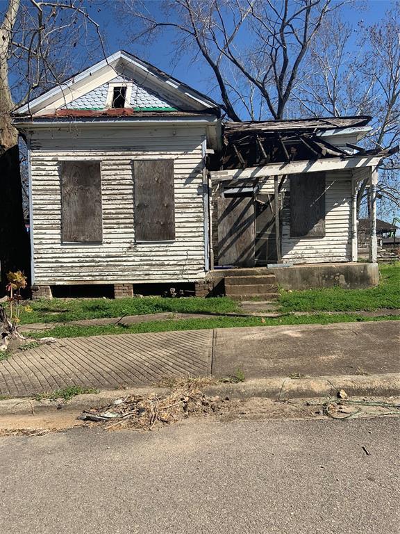 Active | 1508 West Street Houston, TX 77026 2