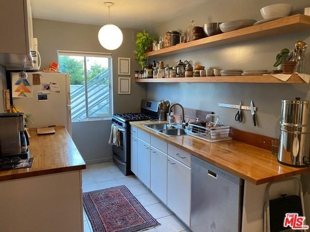 Property for Rent | 1918 11TH Street #C Santa Monica, CA 90404 4