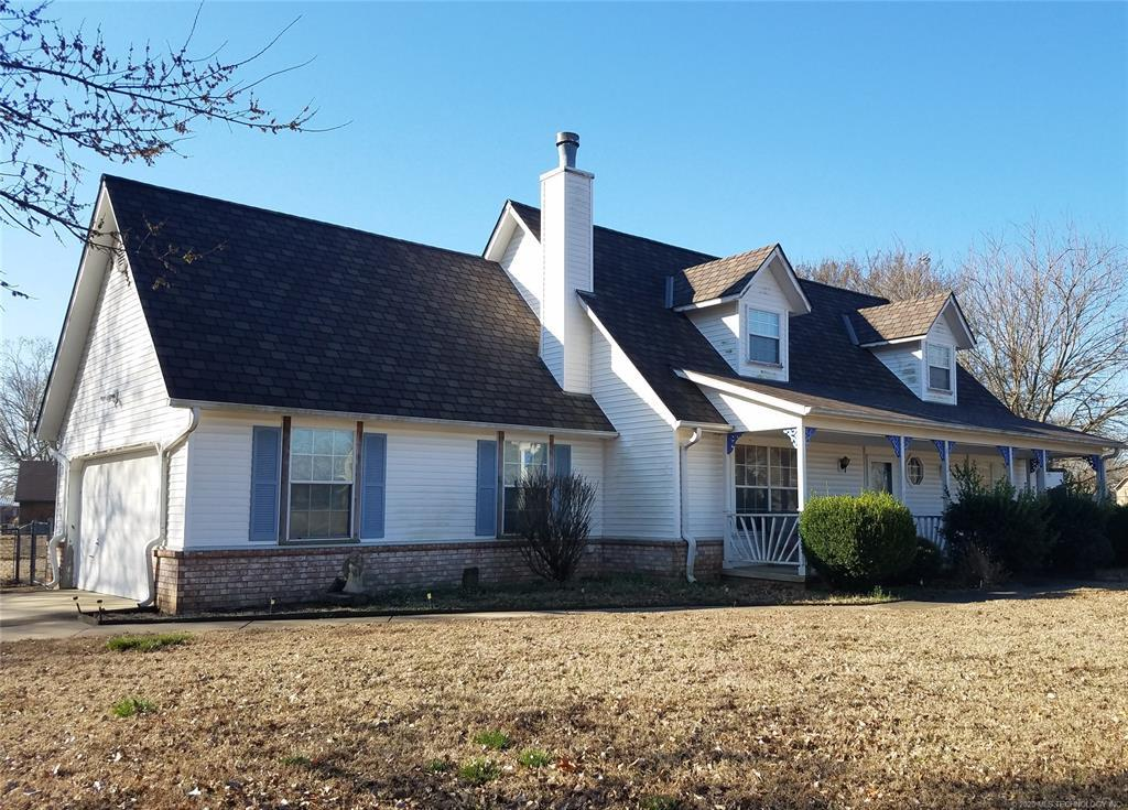 Active | 8112 E Country Road Drive Claremore, OK 74019 1
