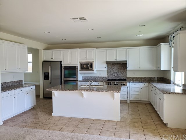 Closed   6 Willow Way Lake Forest, CA 92630 1