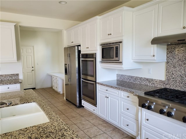 Closed   6 Willow Way Lake Forest, CA 92630 2