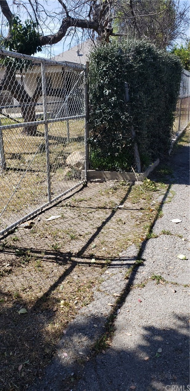 Closed | 164 N 9th Avenue Upland, CA 91786 18