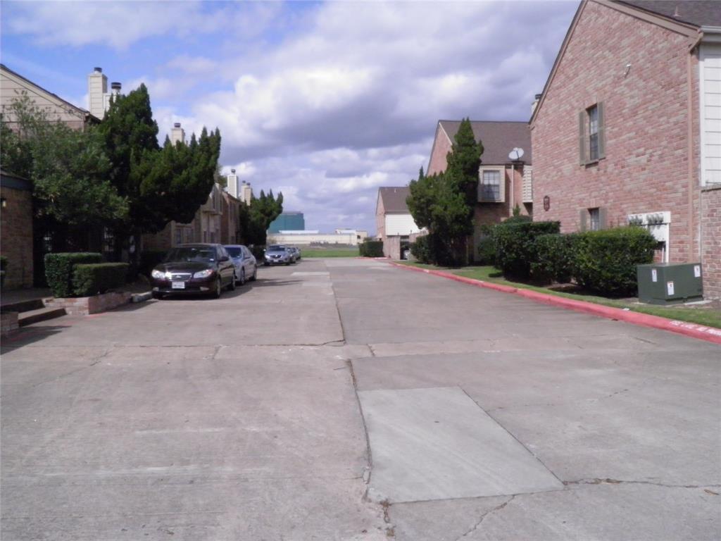 Active | 9901 Sharpcrest  Street #D1 Houston, TX 77036 15