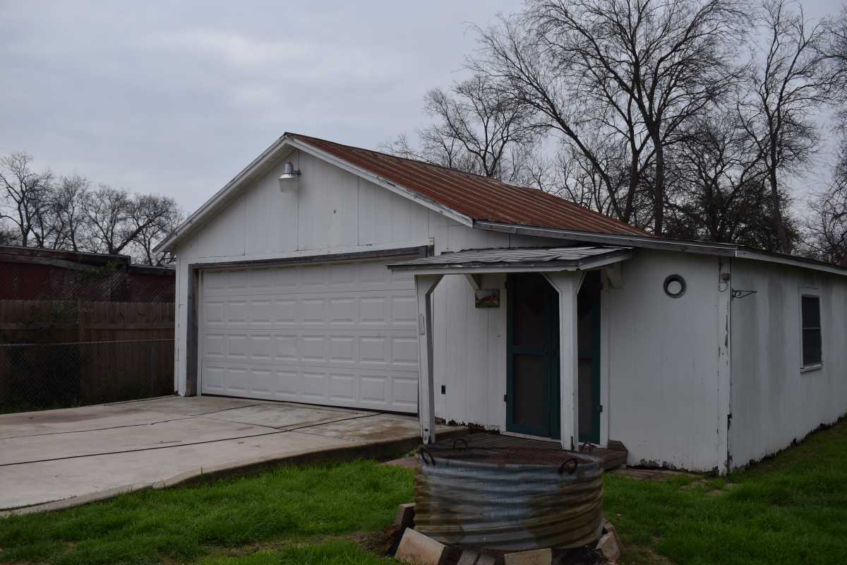 City Base  | 314 Fairview Ave San Antonio, TX 78223 13