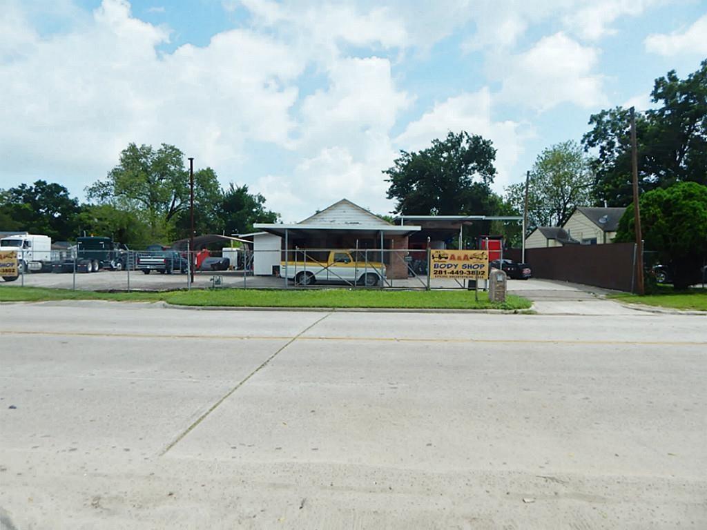 Active | 1705 Hopper Houston, Texas 77093 1