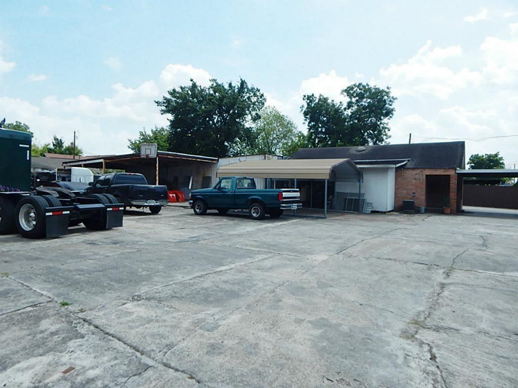 Active | 1705 Hopper Houston, Texas 77093 5