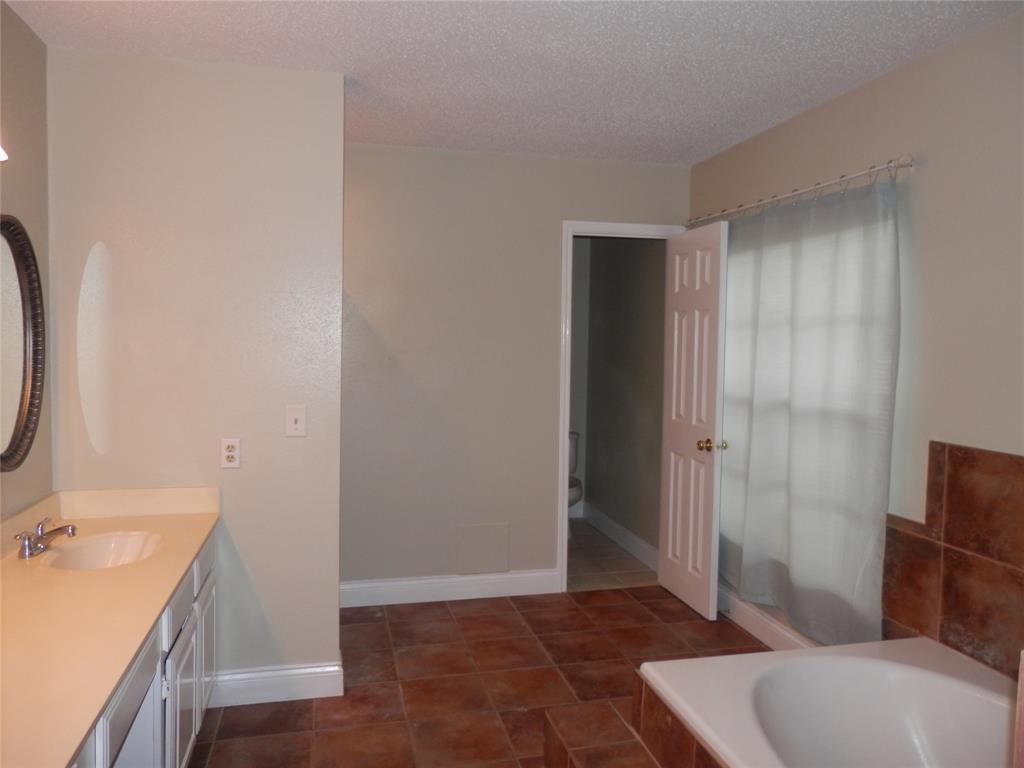 Pending   11414 Bent Way Street Cypress, TX 77429 9
