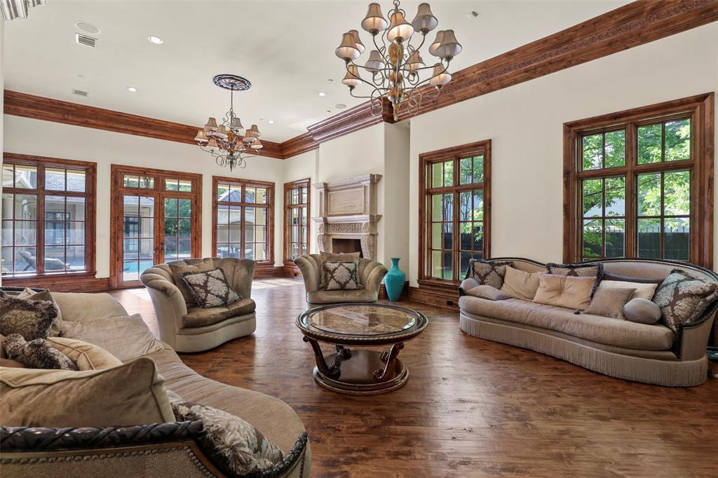 Active | 5943 Walnut Hill Lane Dallas, TX 75230 13