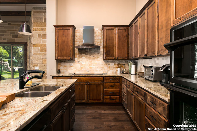 Active | 22122 Touring Ln  San Antonio, TX 78257 10