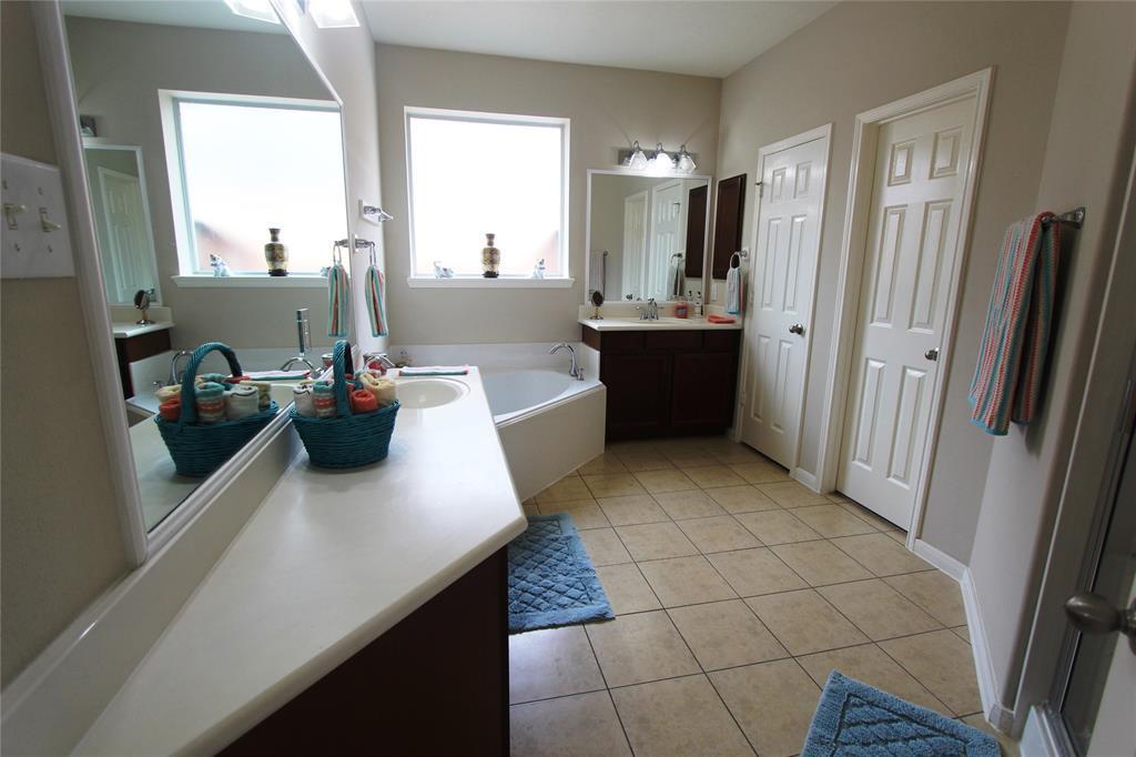 Option Pending   22023 Rustic Canyon  Lane Richmond, TX 77469 25