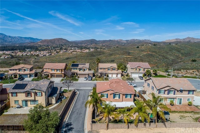 Closed | 41070 Crimson Pillar Lane Lake Elsinore, CA 92532 49
