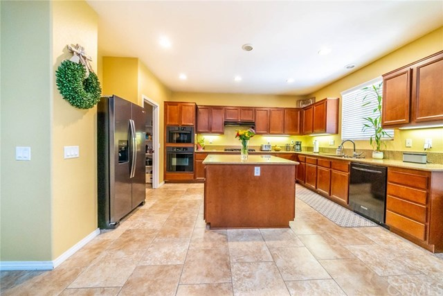 Closed | 41070 Crimson Pillar  Lane Lake Elsinore, CA 92532 18