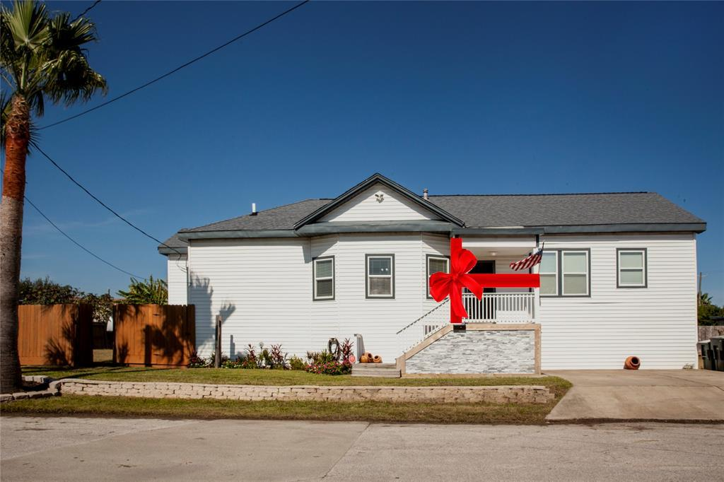 Active | 7010 Avenue Q 1/2 Avenue Galveston, TX 77551 11