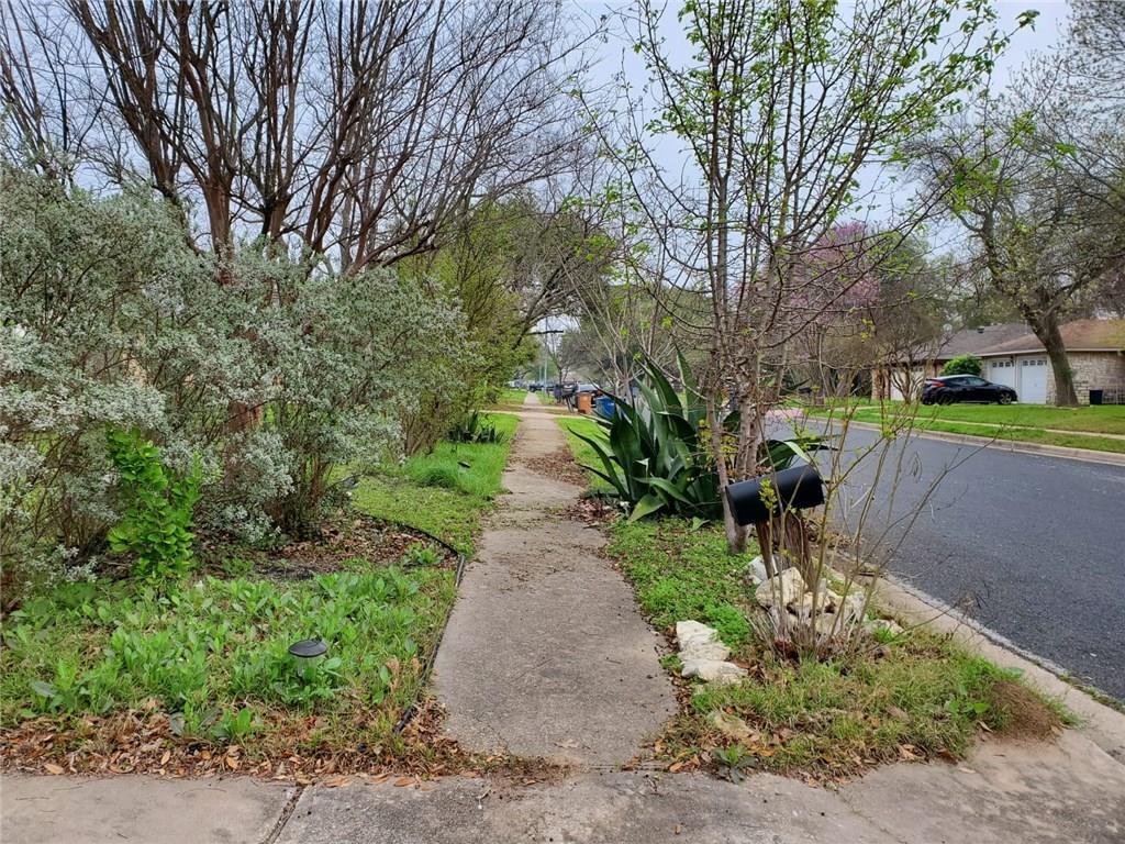 Active | 12900 Powderhorn Street Austin, TX 78727 25