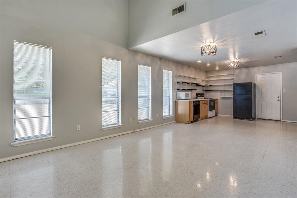 Leased | 2608 Lubbock Avenue Fort Worth, TX 76109 2