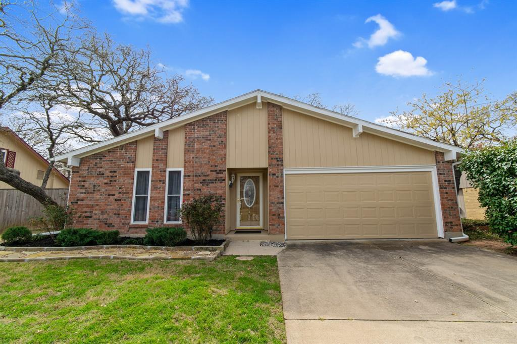 Sold Property | 2712 Scenic Hills Drive Bedford, TX 76021 3