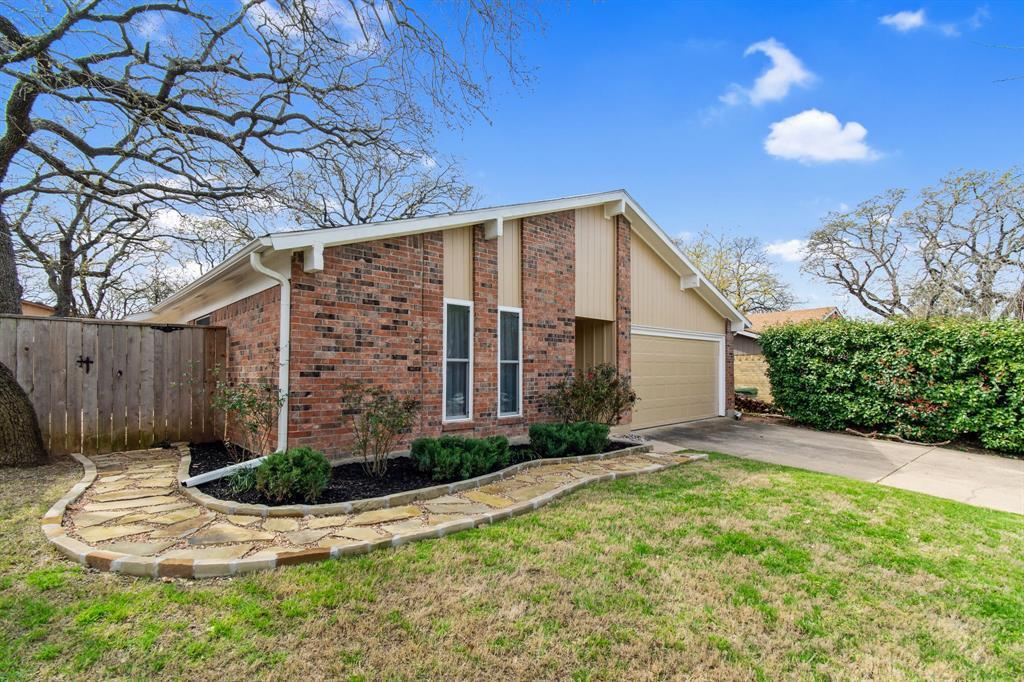 Sold Property | 2712 Scenic Hills Drive Bedford, TX 76021 4