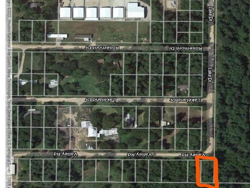 Active | 13956 Valley Drive  Montgomery, TX 77356 1