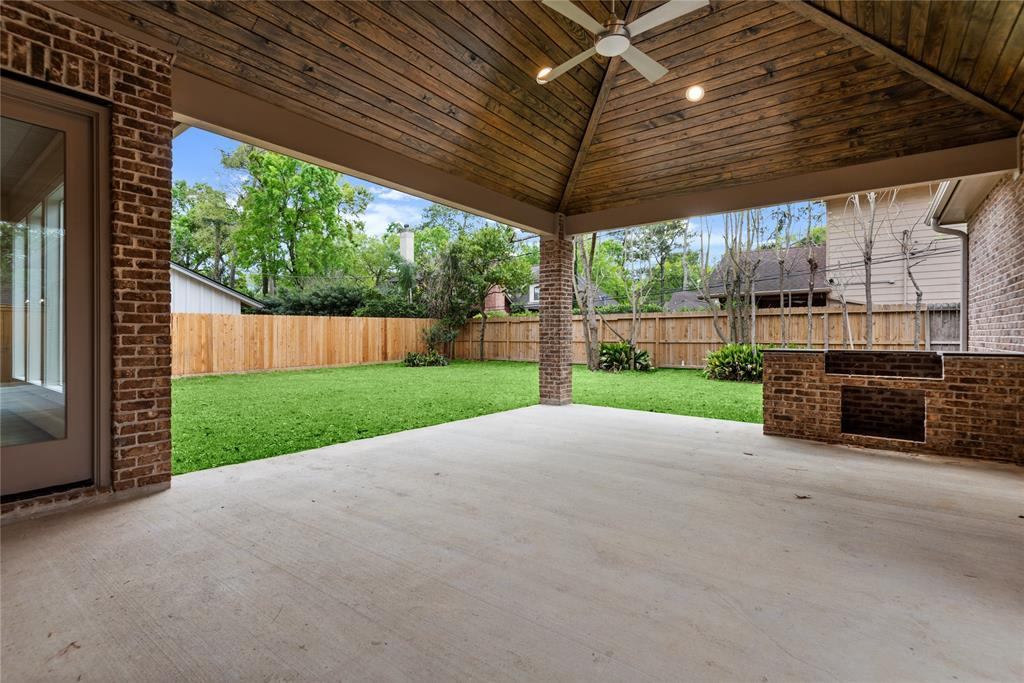 Pending | 639 Diamond Leaf  Lane Houston, TX 77079 33