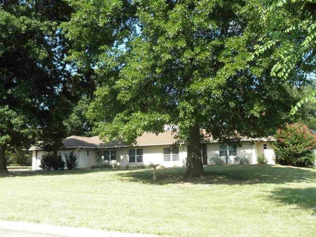 #century21groupone,#homesforsaleponcacity,#poncacityrealestate | 125 Fairview  Ponca City, OK 74601 0