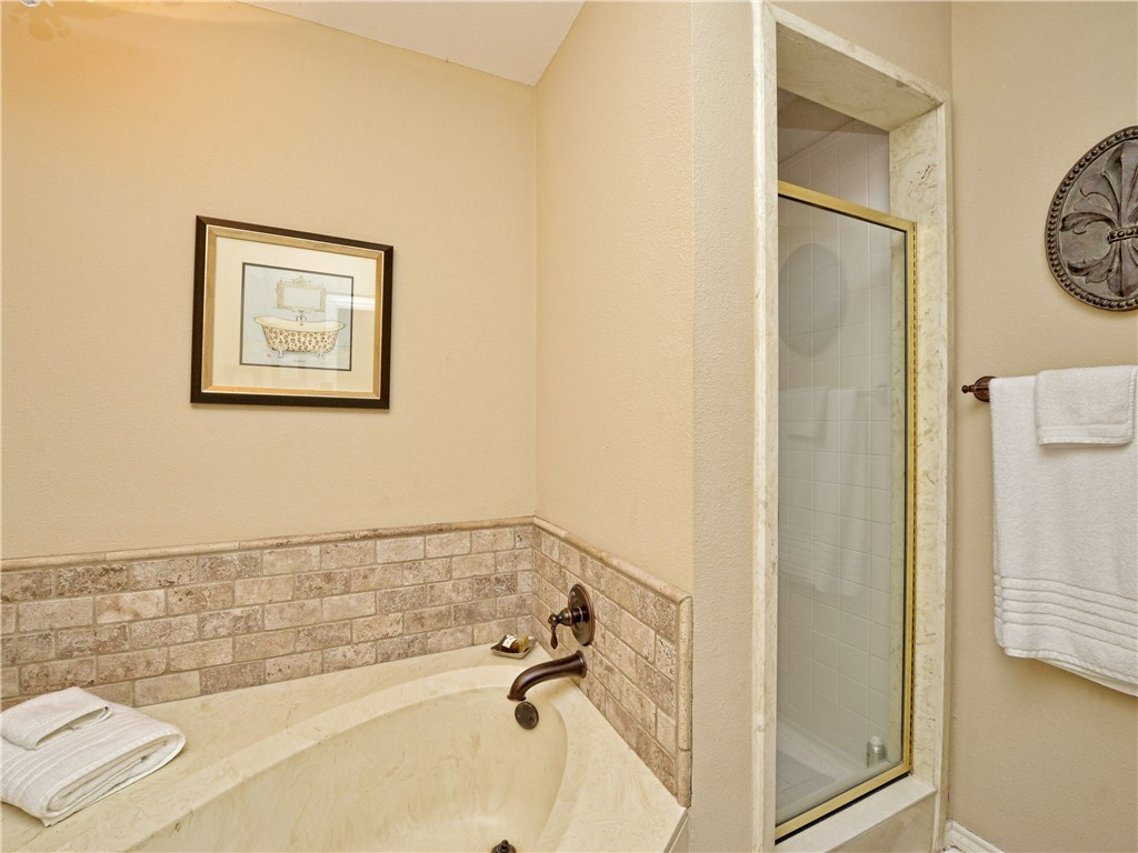 Sold Property | 7903 Griffin CT Austin, TX 78731 5