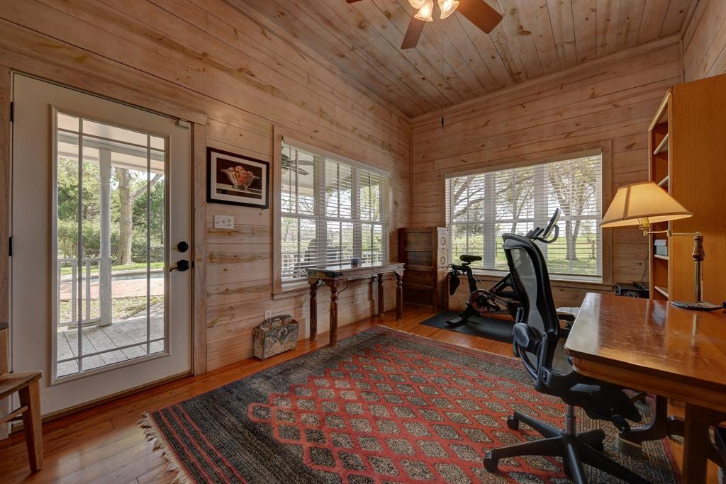 Stunning Round Top Home with Guest House, Pool, Pond - Fabulous!   2720 Finke  Road Round Top, TX 78954 20