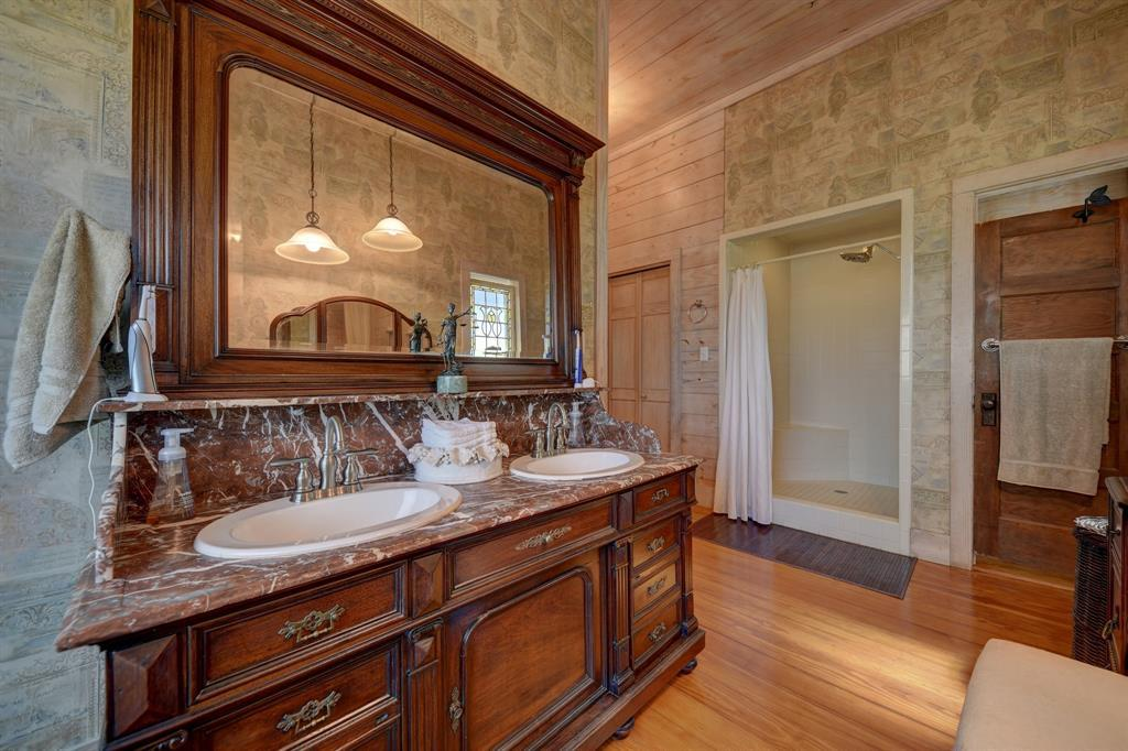Stunning Round Top Home with Guest House, Pool, Pond - Fabulous!   2720 Finke  Road Round Top, TX 78954 22