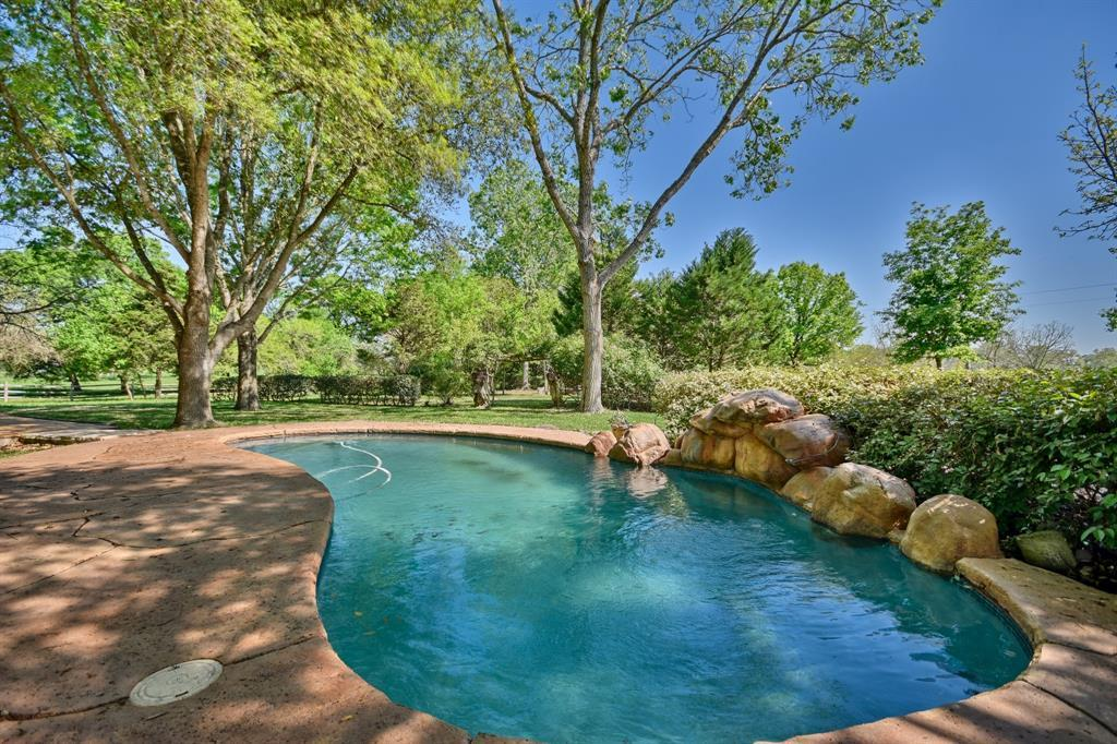 Stunning Round Top Home with Guest House, Pool, Pond - Fabulous!   2720 Finke  Road Round Top, TX 78954 48