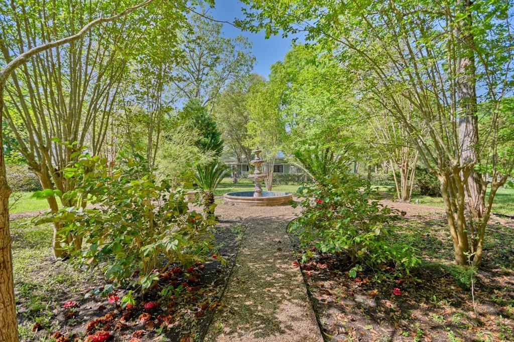 Stunning Round Top Home with Guest House, Pool, Pond - Fabulous!   2720 Finke  Road Round Top, TX 78954 10
