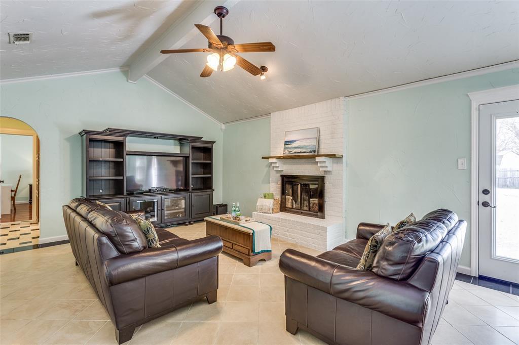 Sold Property | 1824 Tobie Layne Street Benbrook, TX 76126 3