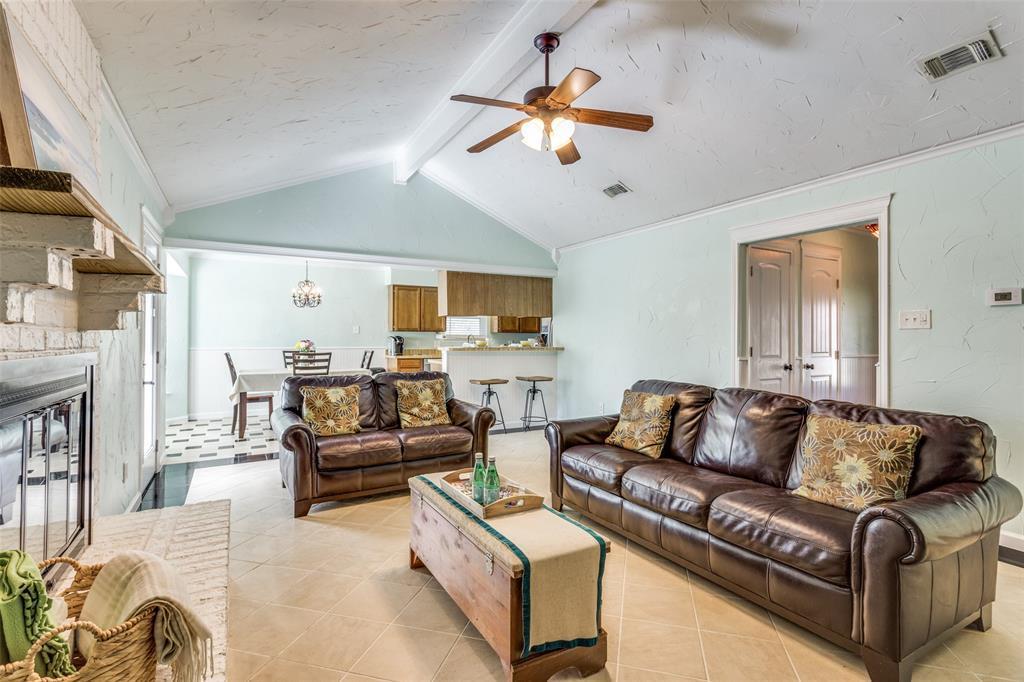 Sold Property | 1824 Tobie Layne Street Benbrook, TX 76126 4