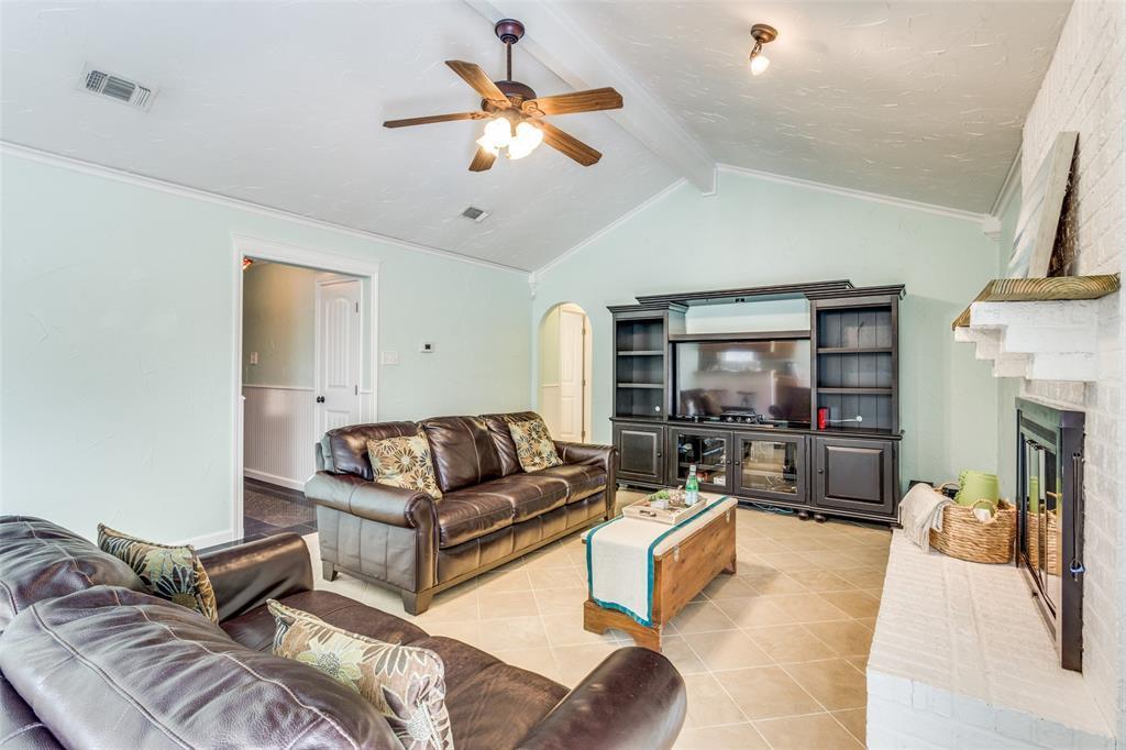 Sold Property | 1824 Tobie Layne Street Benbrook, TX 76126 6
