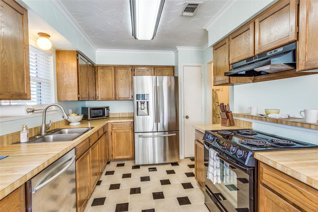 Sold Property | 1824 Tobie Layne Street Benbrook, TX 76126 7