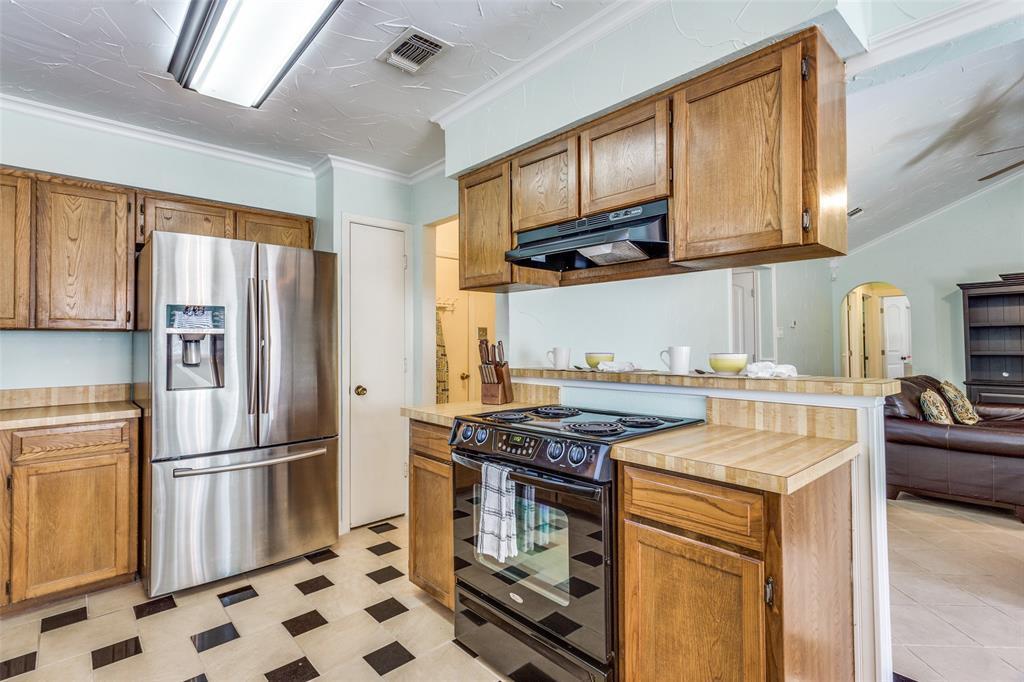 Sold Property | 1824 Tobie Layne Street Benbrook, TX 76126 9