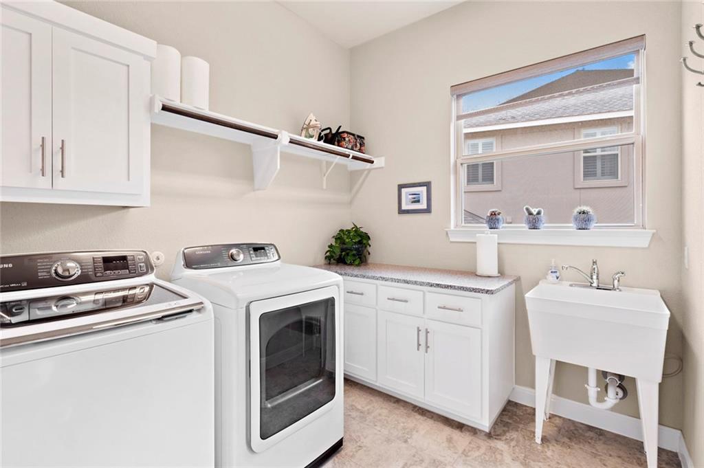 Pending - Taking Backups   207 Vista Village  CV Lakeway, TX 78738 27