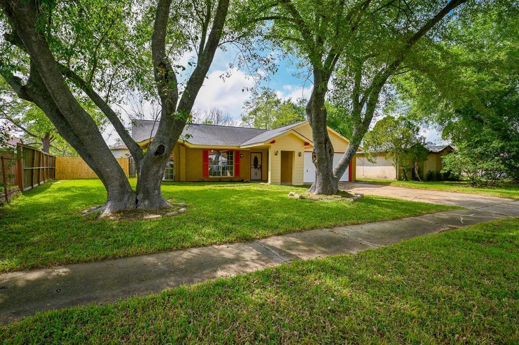 Active   7211 Towerview Lane Houston, TX 77489 0