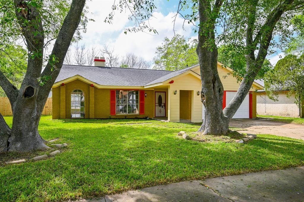 Active   7211 Towerview Lane Houston, TX 77489 1