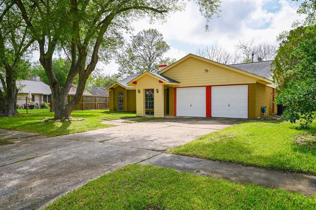 Active   7211 Towerview Lane Houston, TX 77489 30