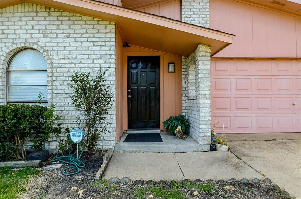 Pending | 7226 La Granada  Drive Houston, TX 77083 1
