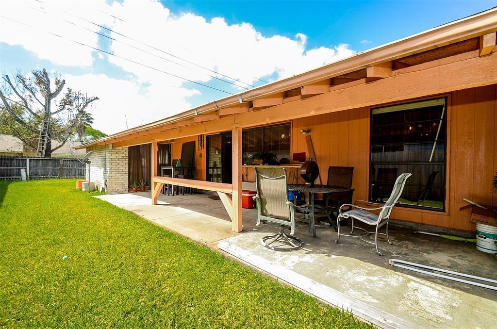 Pending | 7226 La Granada  Drive Houston, TX 77083 30