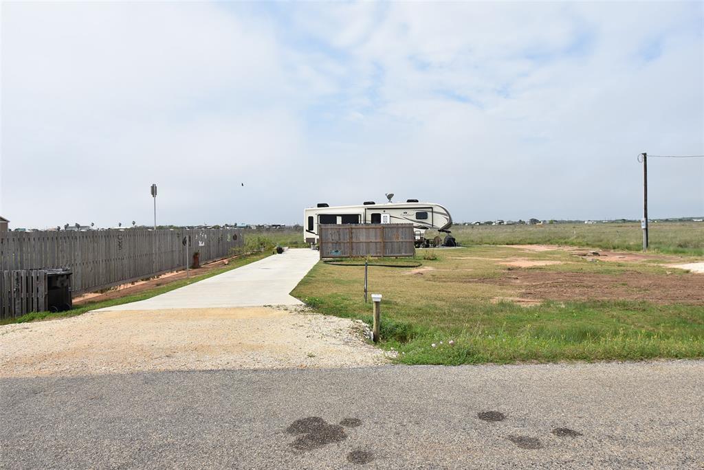 Active | 1458 County Road 299  Sargent, TX 77414 1