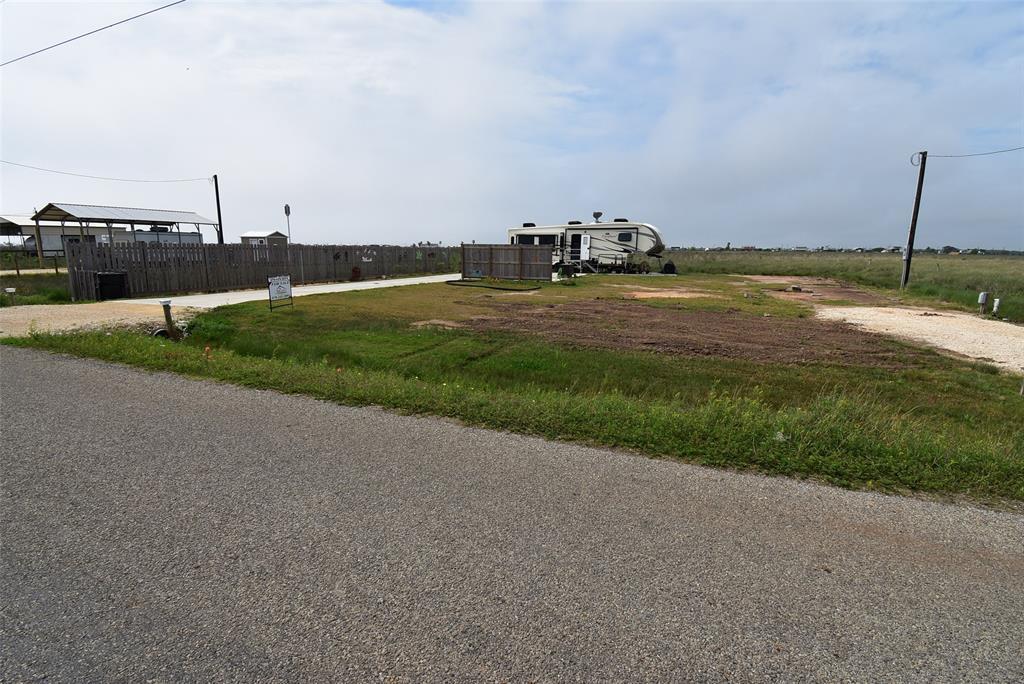 Active | 1458 County Road 299  Sargent, TX 77414 2