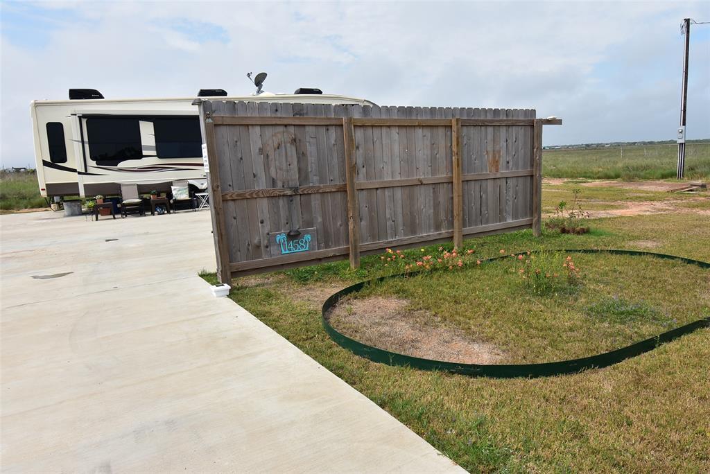 Active | 1458 County Road 299  Sargent, TX 77414 10